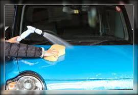 洗車中のフロントガラスの破損